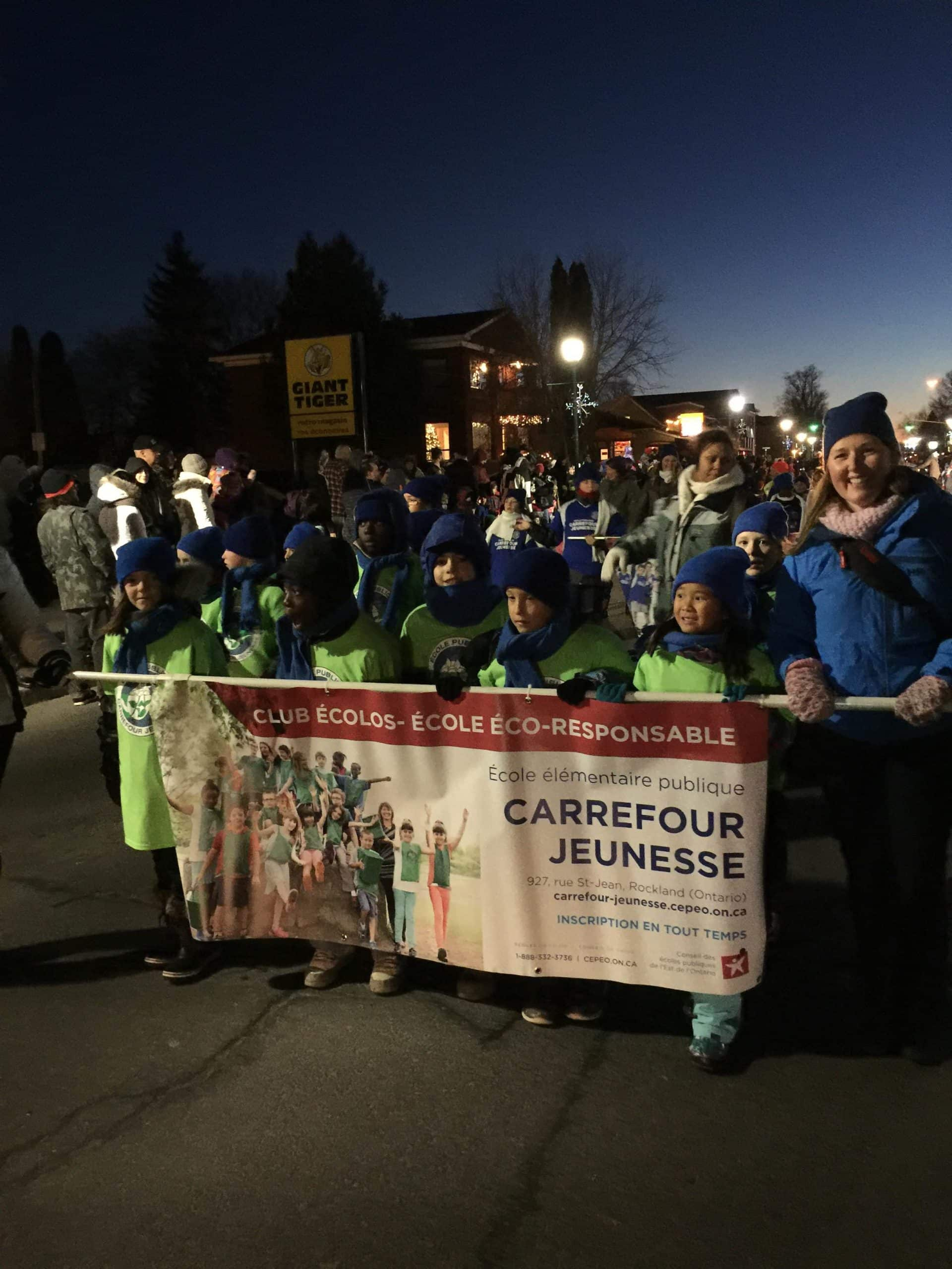 Carrefour-Jeunesse_parade