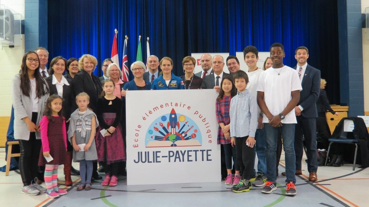 comm-julie-payette-2.jpg