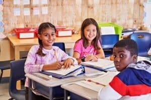 Des-élèves-du-CEPEO-en-classe-300x199.jpg