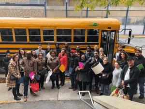 Les enseignants de l'école élémentaire publique Mauril-Bélanger débutent la tournée communautaire!